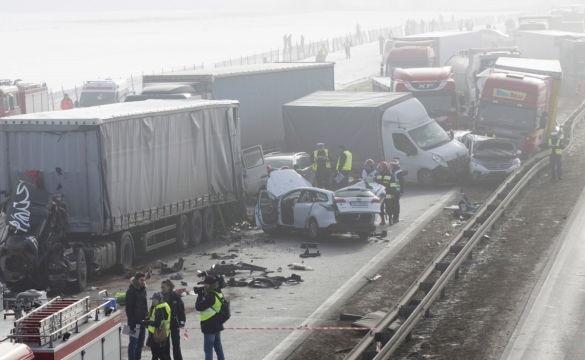 В Польше из-за тумана столкнулись более 70 авто