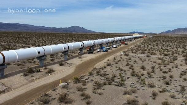 Построена часть пути для сверхскоростных Hyperloop