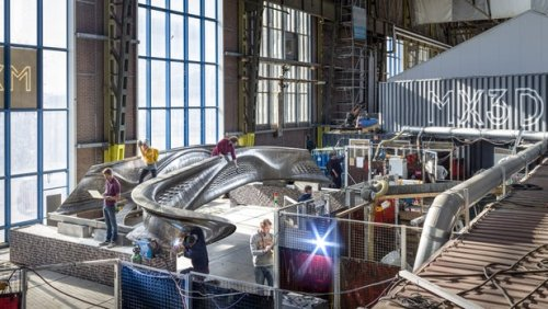 Завершено создание первого металлического моста, изготовленного роботами при помощи трехмерной печати