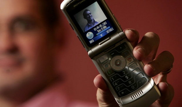 Motorola перевыпустит культовую раскладушку RAZR