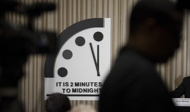 Стрелки часов Судного дня оставили на прежней отметке
