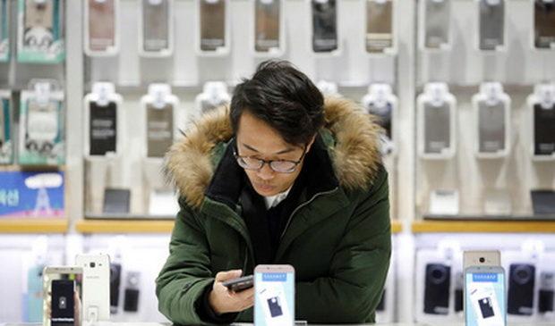 Названы смартфоны с самым сильным и самым слабым излучением